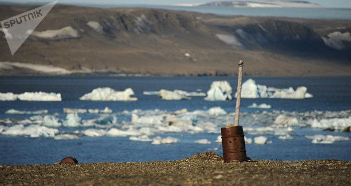 Stazione meteo abbandonata sull'isola nord