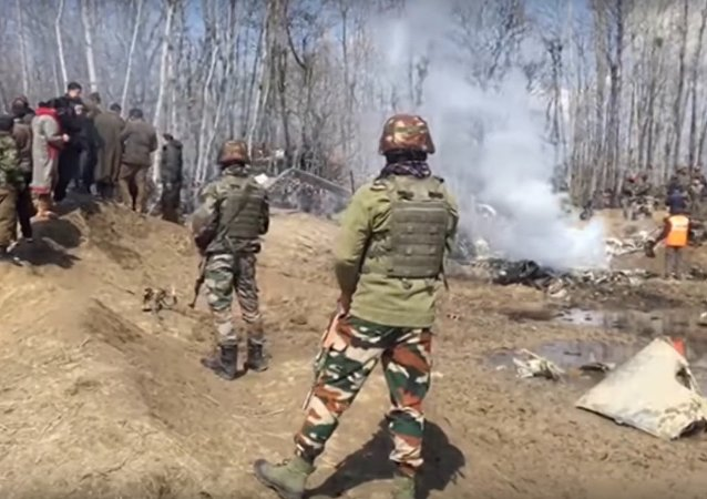 India: Footage Shows Presumed Wreckage of Aircraft in Central Kashmir