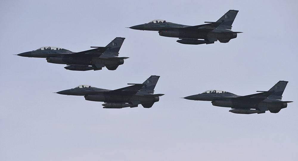 F-16 pakistani (foto d'archivio)