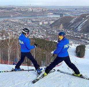 Michela Speranzoni e Petra Smaldore della nazionale italiana di sci alpino alle Universiadi di Krasnoyarsk 2019 durante la prima sciata libera sulle piste di gara