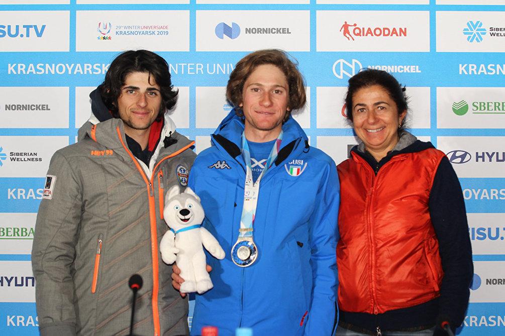 Alberto Blengini insieme alla mamma Enrica (a destra) ed al fratello Nicola