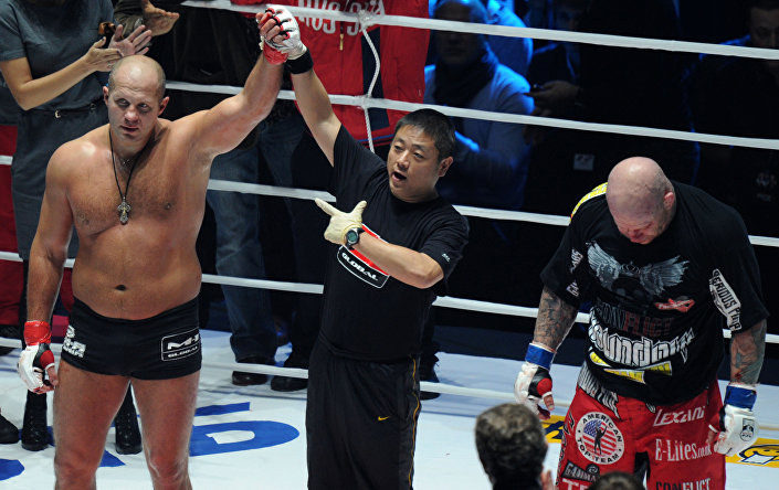 Fedor Emelianenko sconfigge il lottatore americano Jeff Monson