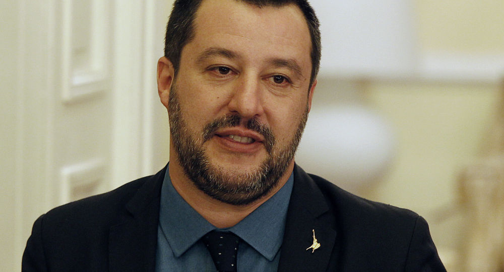 Salvini da Washington sfida l'Ue: