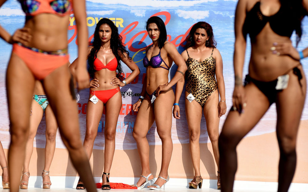 Le modelle al Body Power Beach Show a Goa, India.