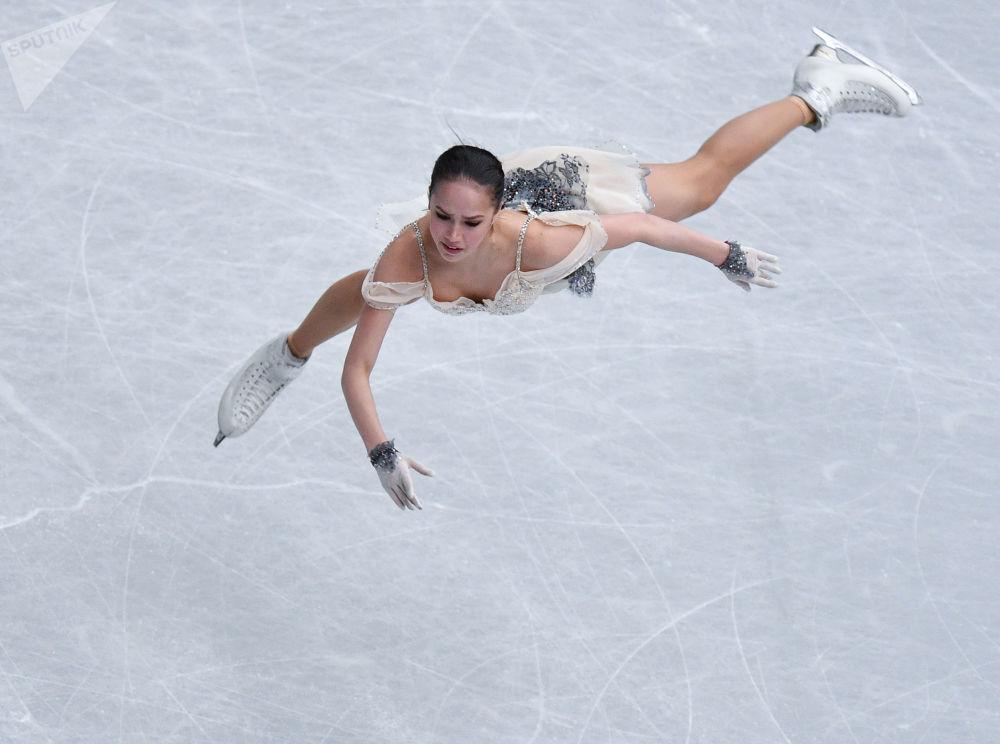 Pattinatrice artistica su ghiaccio russa Alina Zagitova al campionato mondiale a Saitama, Giappone.