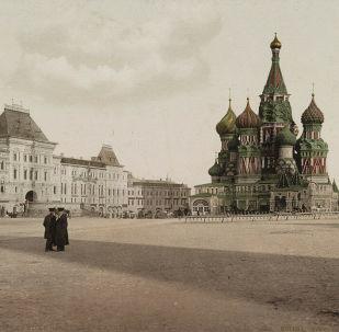 La Piazza Rossa di Mosca in una delle prime foto a colori della Russia