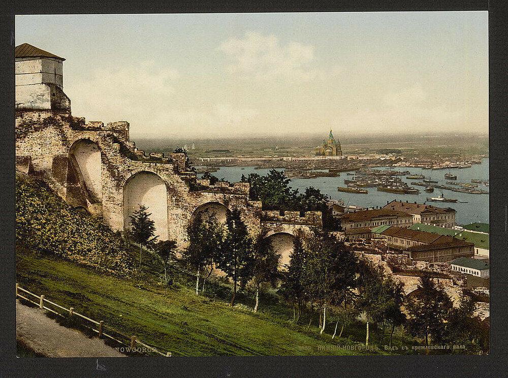 1895, Veduta di Nizhniy Novgorod dal Cremlino: sullo sfondo il fiume Oka si immette nel Volga