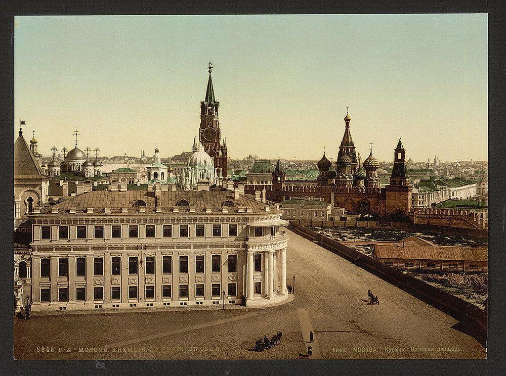 La Piazza dello Zar nel Cremlino di Mosca