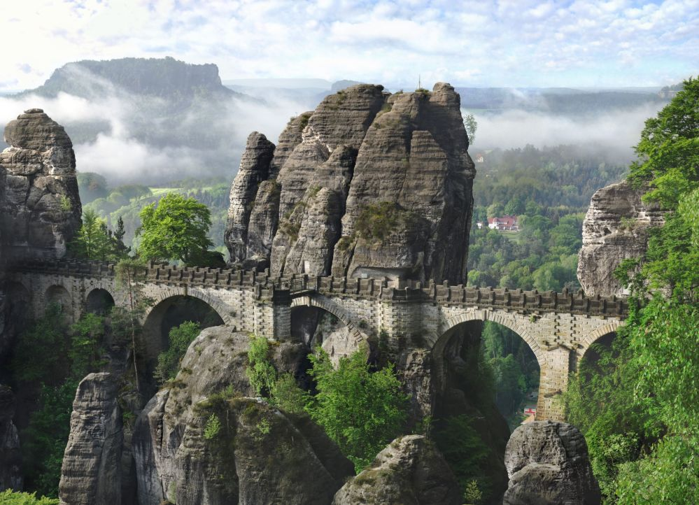 Germania: il ponte Bastei, alto 165 metri sul fiume Elba