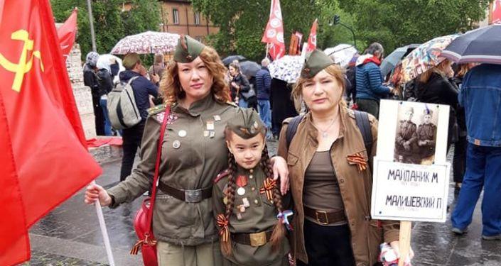 Le partecipanti al Reggimento Immortale a Roma