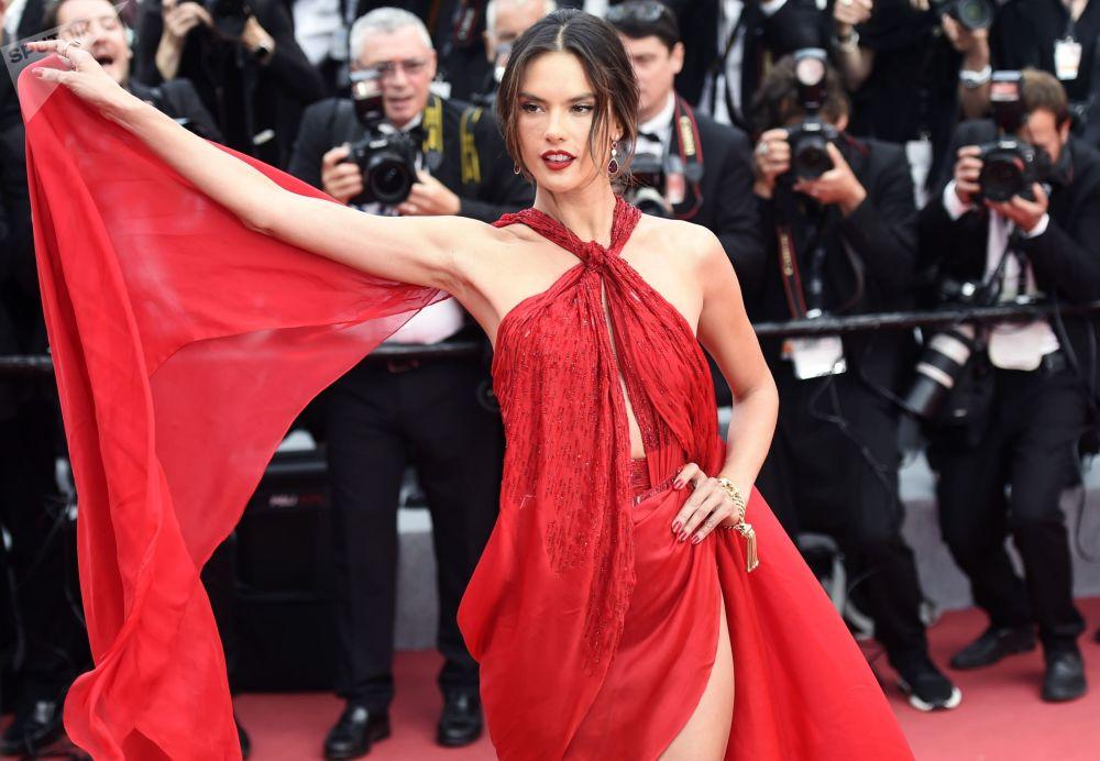 La top model e attrice brasiliana Alessandra Ambrósio.