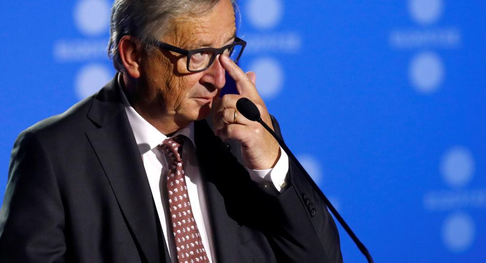 Brexit, l'annuncio di Juncker: