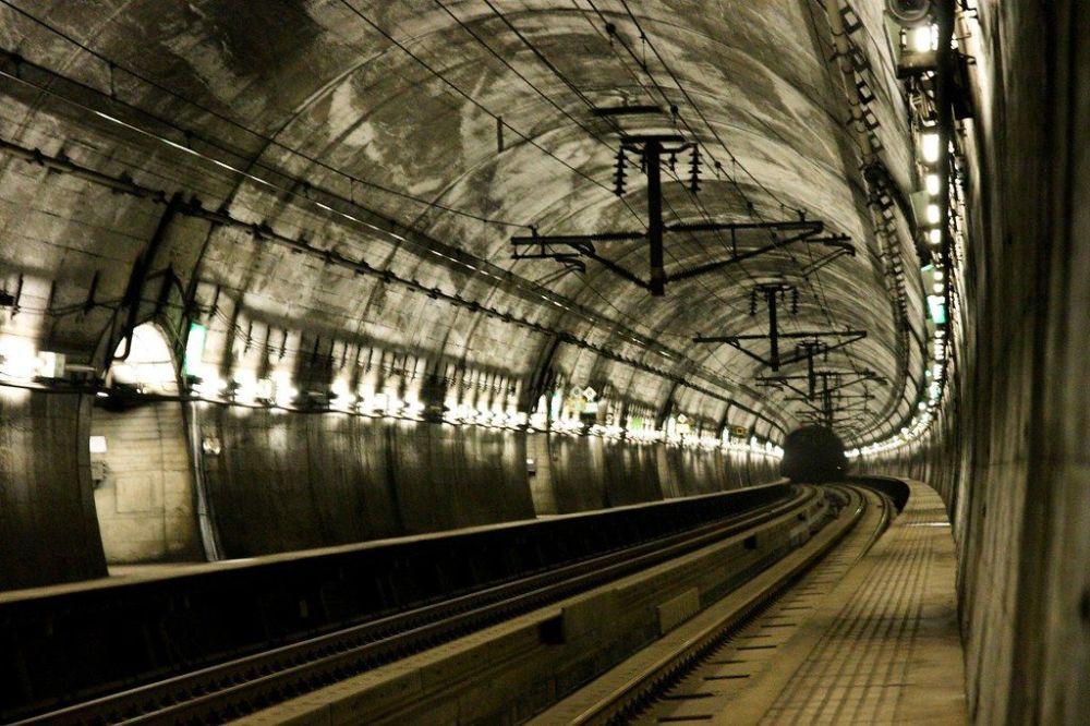 Il tunnel ferroviario sottomarino di Seikan, in Giappone