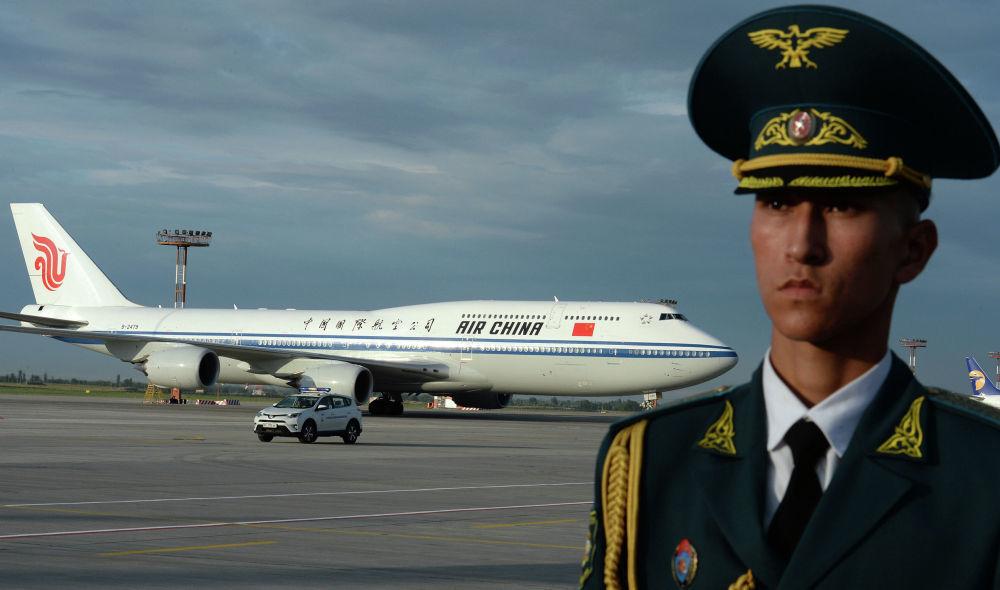 Il Boeing 747-800 dell' Air China a bordo del quale ha viaggiato il presidente cinese Xi Jinping