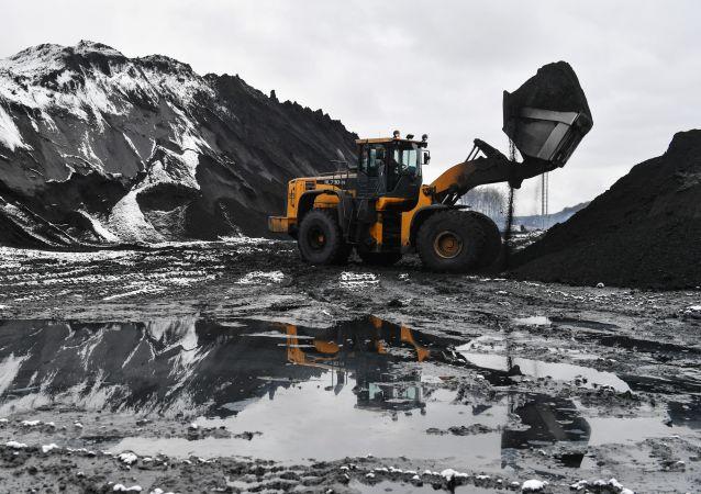 Estrazione del carbone in Siberia
