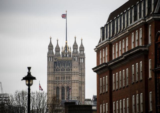 Il Palazzo di Westminster a Londra, dove si riunisce il Parlamento del Regno Unito
