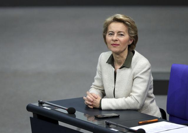Verteidigungsministerin Von der Leyen im Bundestag