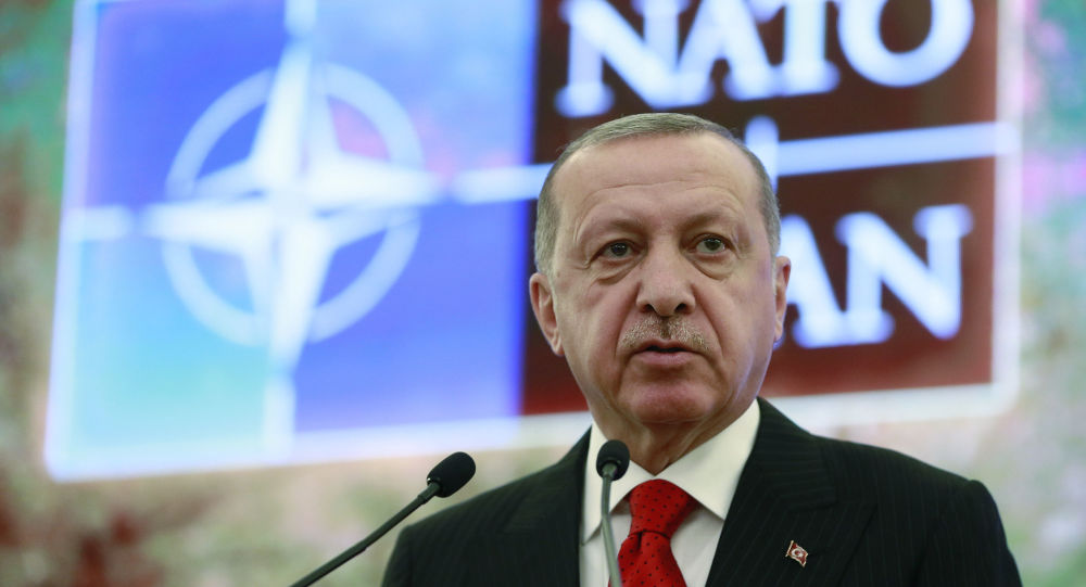 Il presidente turco Recep Tayyip Erdogan al Dialogo mediterraneo della NATO ad Ankara