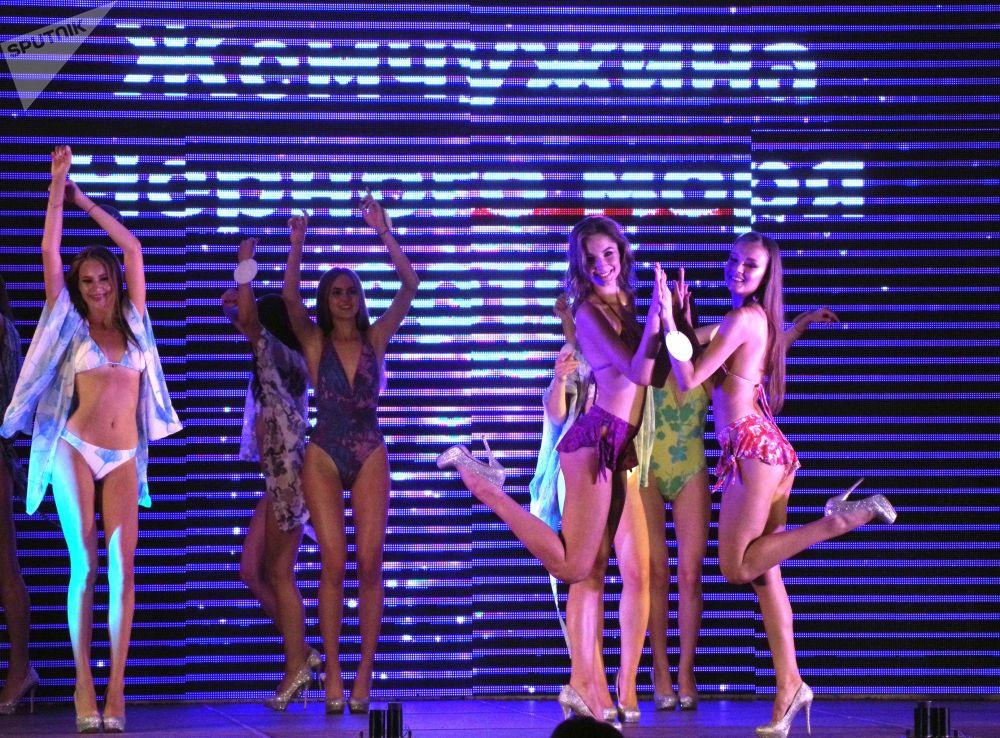 Le concorrenti del 23esimo concorso di bellezza Perla del Mar Nero - 2019.