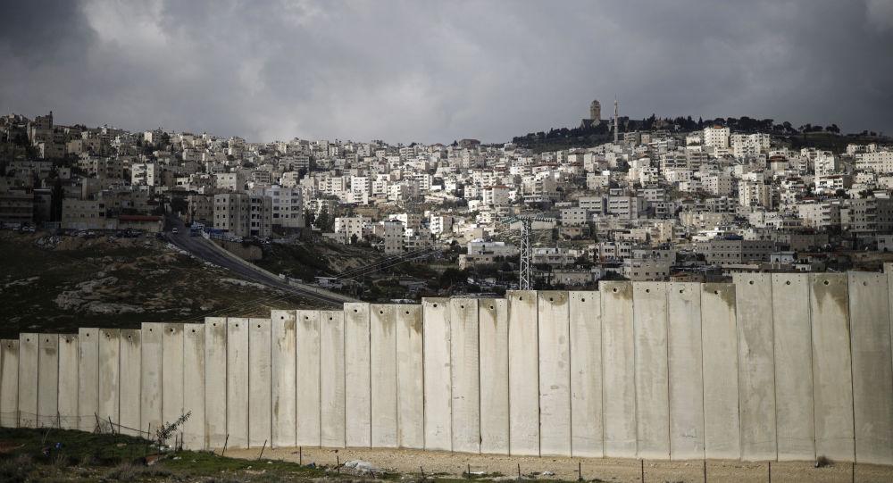 La barriera tra Palestina a Gerusalemme