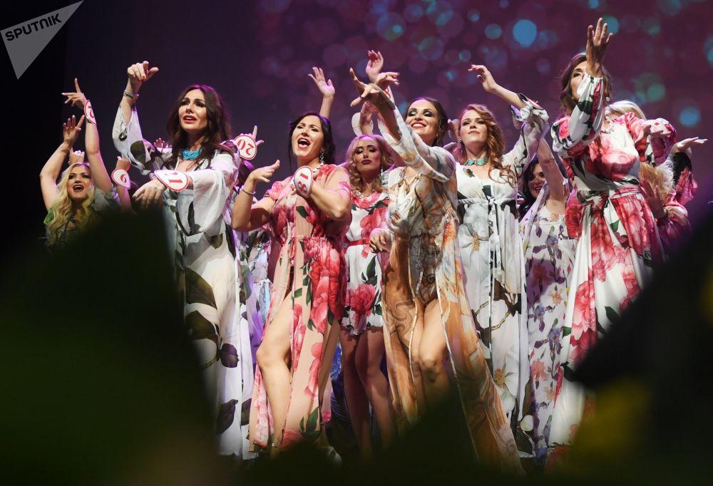 Le finaliste del concorso Mrs Russia 2019 a Mosca