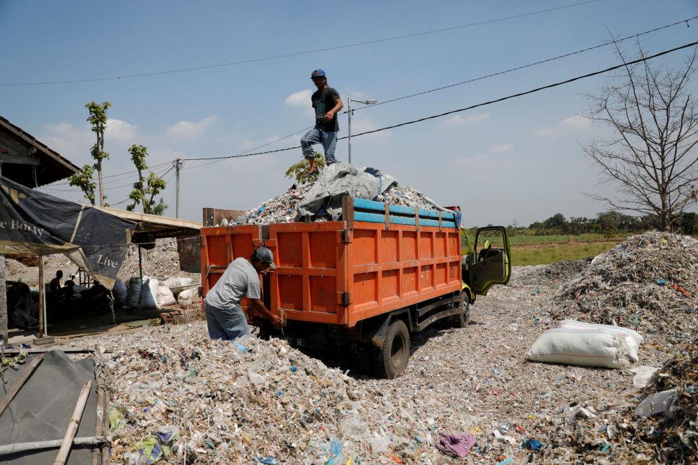 Lo scarico dei rifiuti