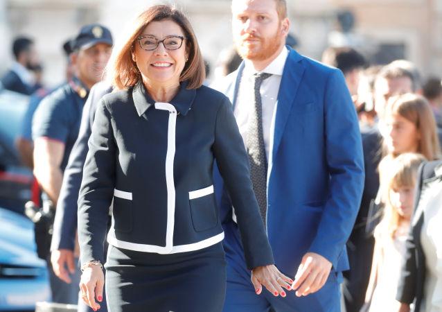 Paola De Micheli, la ministra delle Infrastrutture e dei Trasporti