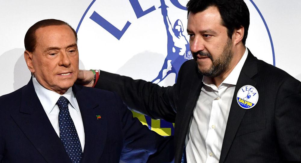 Silvio Berlusconi e Matteo Salvini (foto d'archivio)