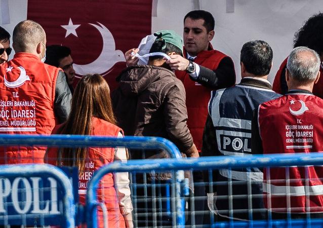 Migranti deportati dalla Grecia arrivati in Turchia