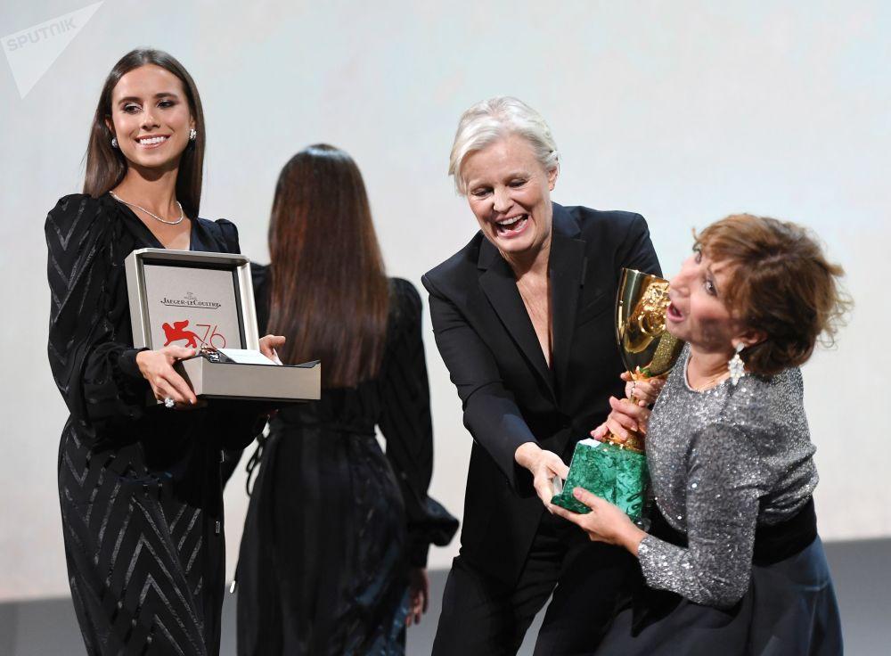 Attrice francese Ariane Ascaride che ha vinto la Coppa Volpi per la Migliore Attrice nel film Gloria Mundi di Robert Guédiguian.