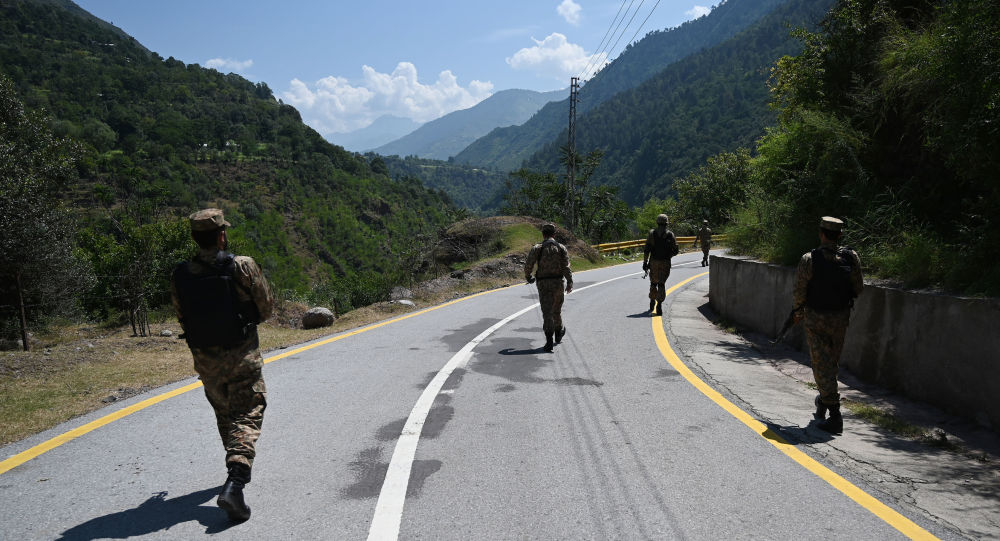 Truppe pakistane lungo la Linea di Controllo, il confine di fatto tra Pakistan ed India