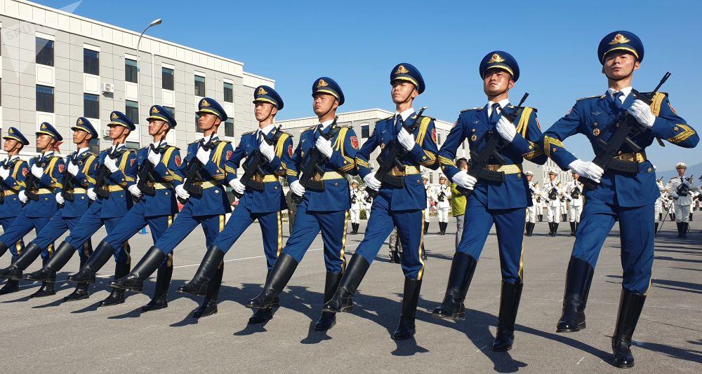 Militari dell'esercito alle prove della Parata per il 70° anniversario della fondazione della Repubblica popolare cinese.