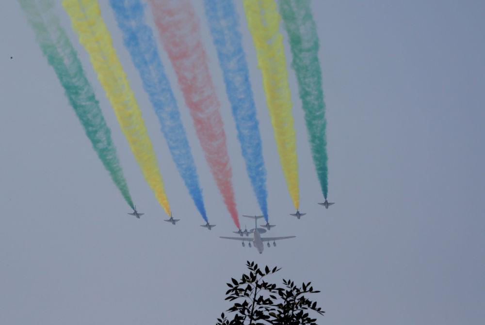 Aeronautica militare cinese alle prove della Parata.