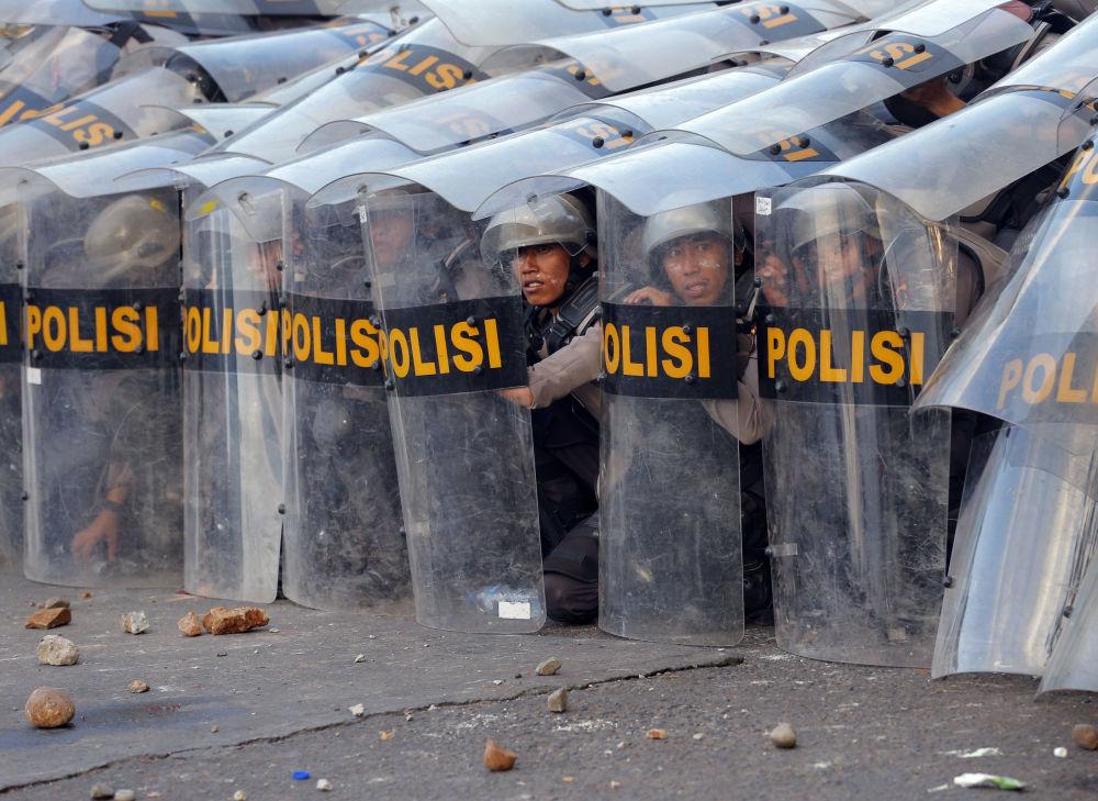 Dispiegati rinforzi di polizia e forze di sicurezza aggiuntive nelle città in cui imperversano le rivolte
