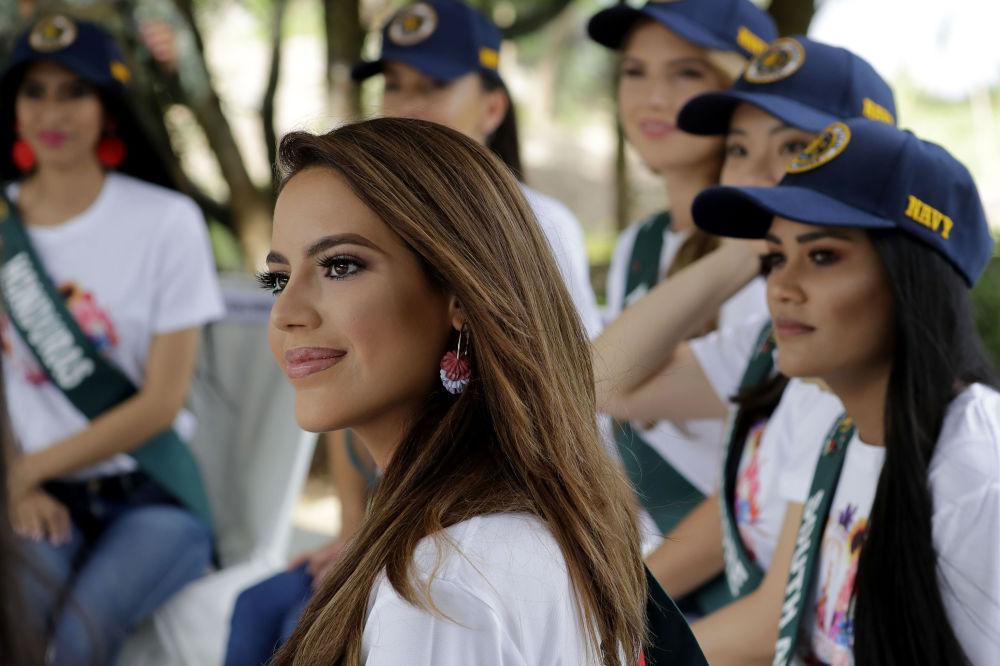 Una candidata spagnola per il titolo di Miss Earth 2019 nelle Filippine.
