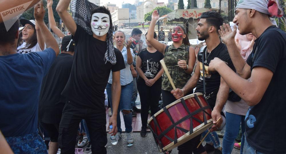 Libano, il premier Hariri annuncia dimissioni