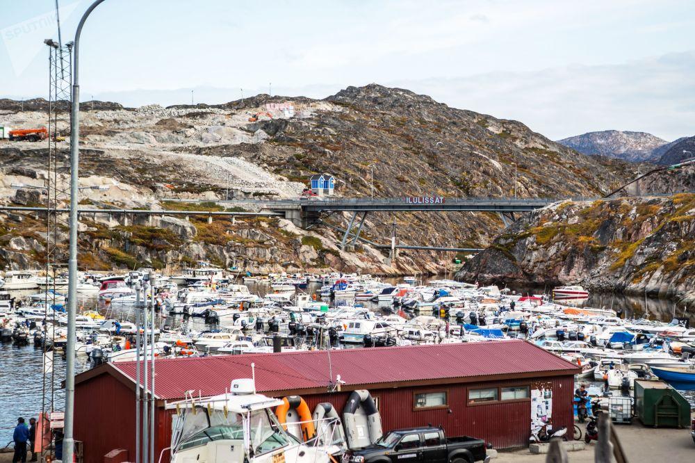 Un ormeggio per le barche nella città di Ilulissat in Groenlandia