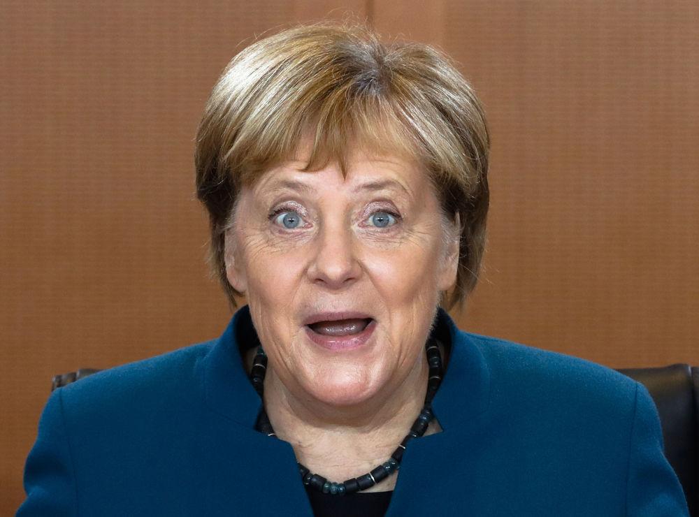 La cancelliera tedesca Angela Merkel partecipa alla riunione del governo tedesco presso la cancelleria a Berlino