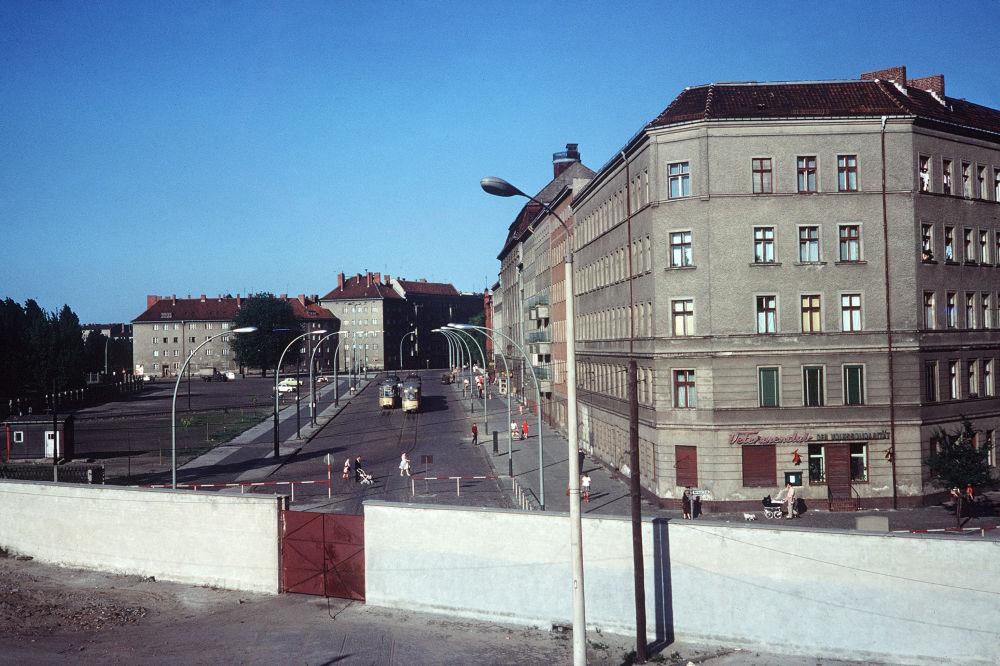 Il Muro di Berlino da Berlino Ovest negli anni '60