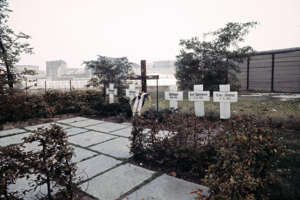 Tombe di residenti della RDT morti mentre cercavano di attraversare il muro di Berlino