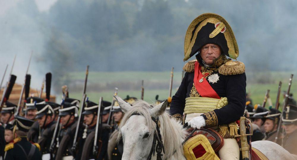 Oleg Sokolov durante una rievocazione di battaglie di epoca napoleonica nel 2016