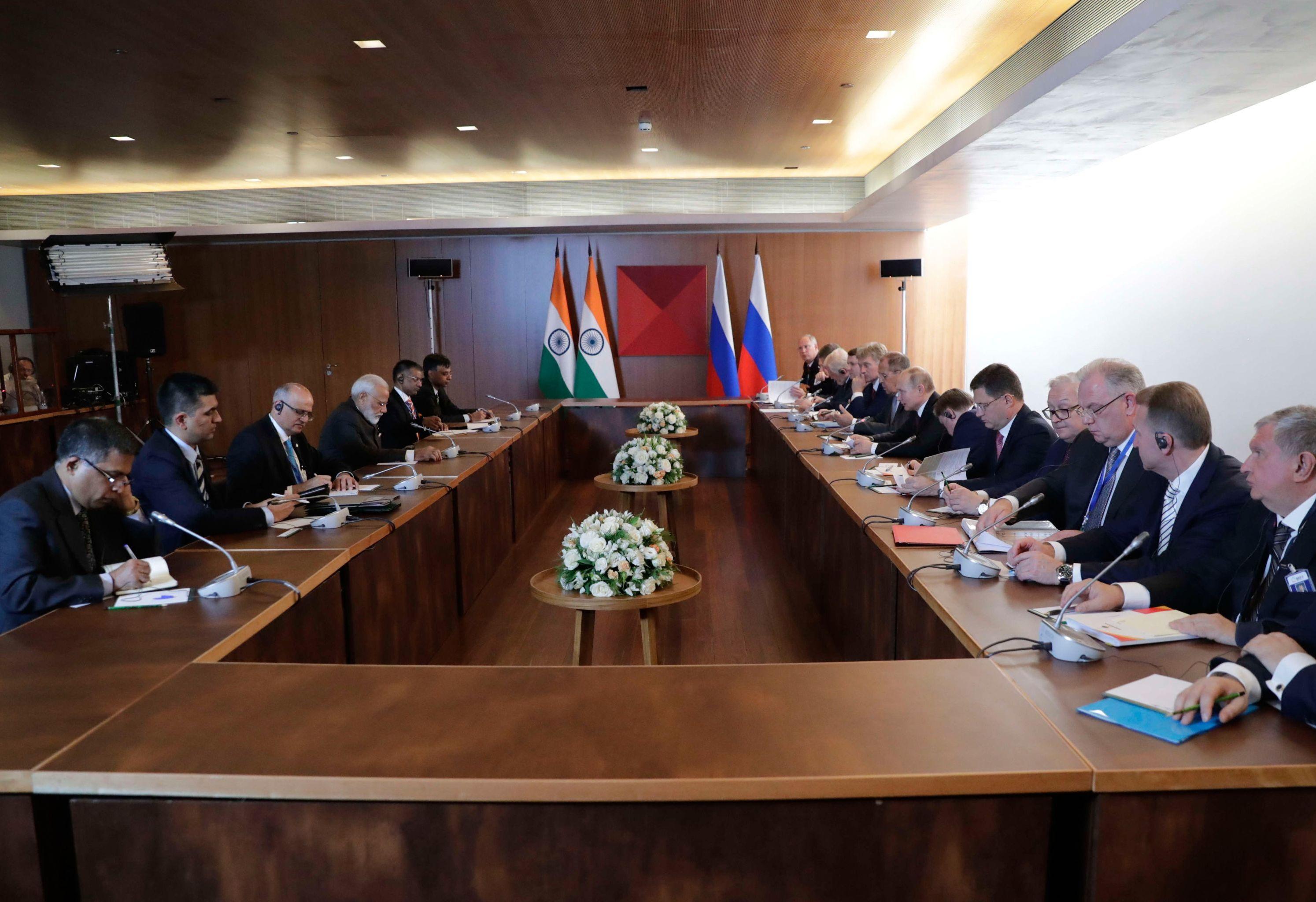 L'incontro tra la delegazione della Russia e la delegazione dell'India al vertice Brics