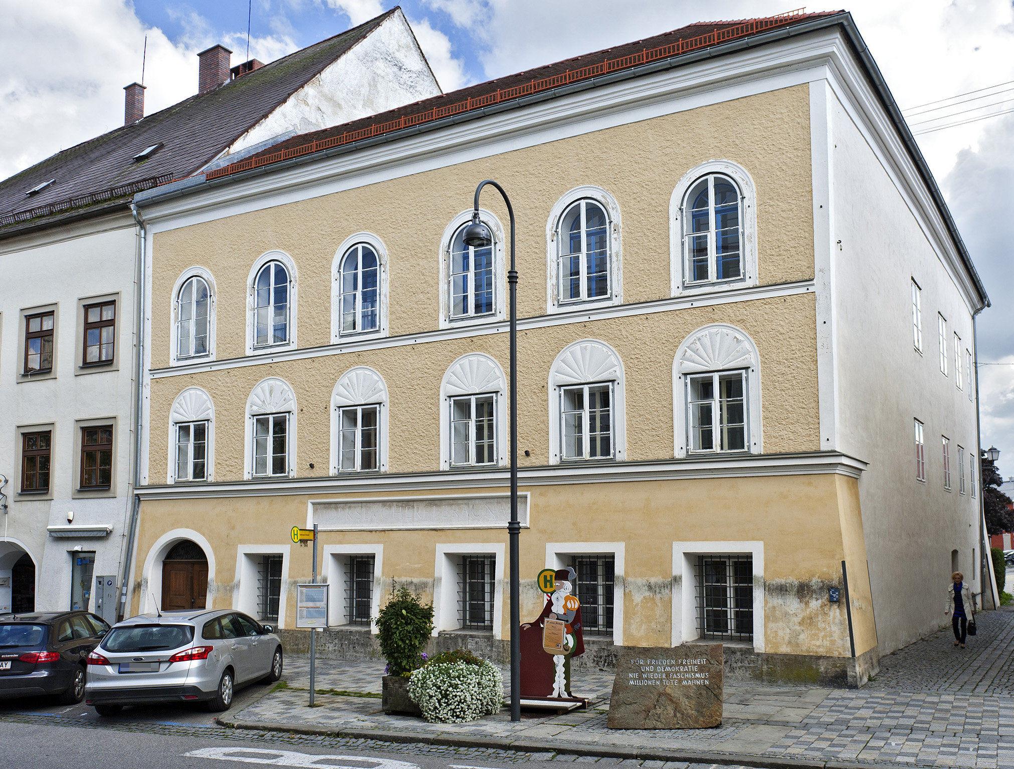 La casa di Adolf Hitler a Braunau am Inn