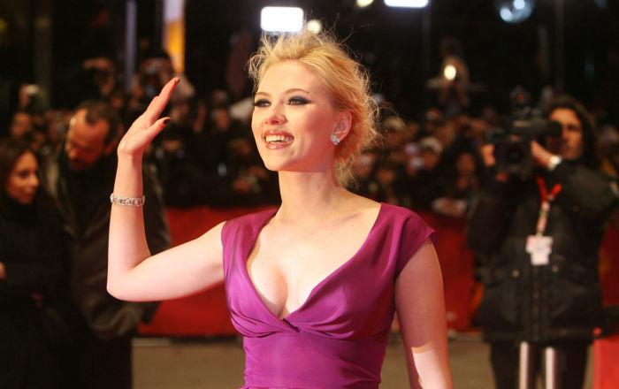 L'attrice statunitense Scarlett Johansson sul tappeto rosso per la presentazione del film The Other Boleyn girl al 58° Festival Internazionale del Cinema di Berlino, il 15 febbraio 2008