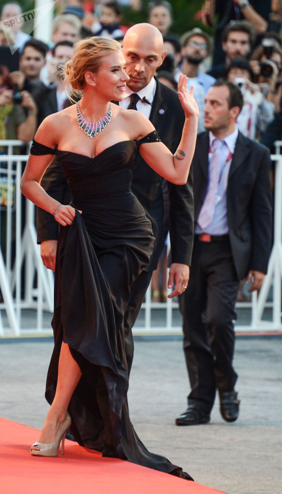 L'attrice Scarlett Johansson alla 70ª edizione della Mostra internazionale d'arte cinematografica di Venezia