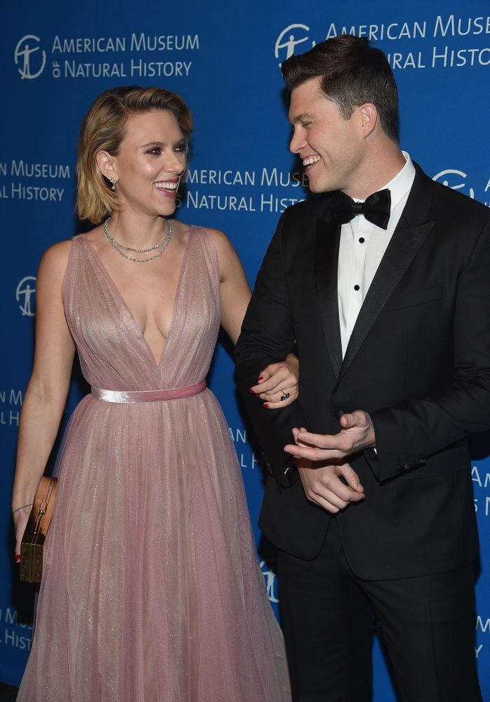 L'attrice statunitense Scarlett Johansson e l'attore statunitense Colin Jost all'American Museum of Natural History 2018 Gala, il 15 novembre 2018, New York City