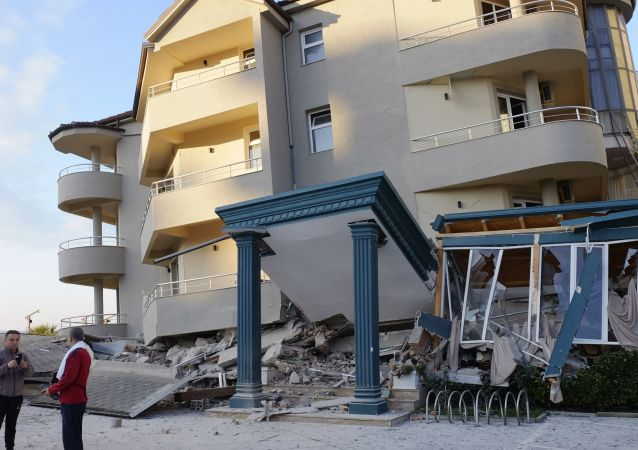 Le conseguenze di un devastane terremoto vicino Tirana, Albania (26.11.2019)