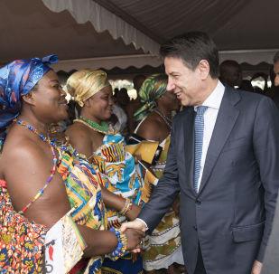 """Il premier Conte in Ghana alla cerimonia di inaugurazione della Scuola di formazione professionale """"Okuafo Pa"""" al Doorma East District."""