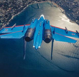 L'Su-27, il caccia intercettore della pattuglia acrobatica dell'aviazione militare russa Cavalieri Russi