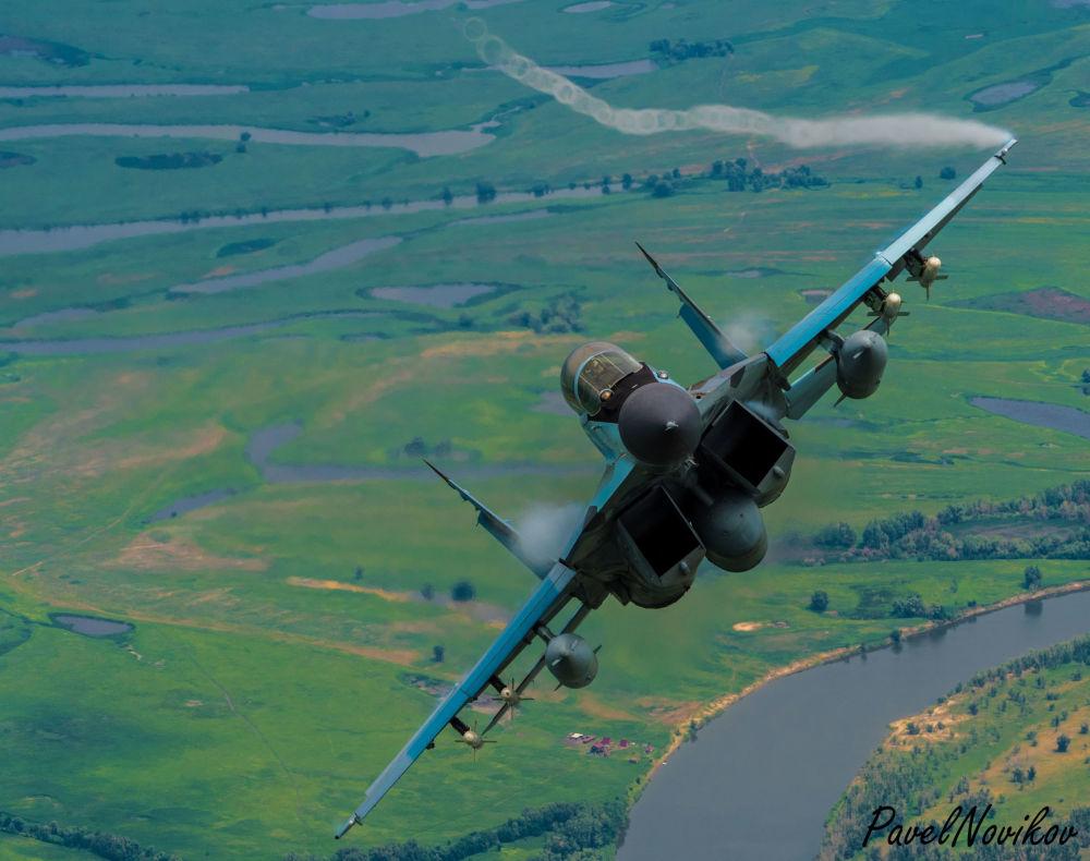 Il caccia russo MiG-29K, originariamente sovietico, prodotto dalla Mikoyan-Gurevich. Il MiG-29K è stato sviluppato alla fine degli anni '80 dal MiG-29M. Mikoyan lo descrive come un aereo di generazione 4+.